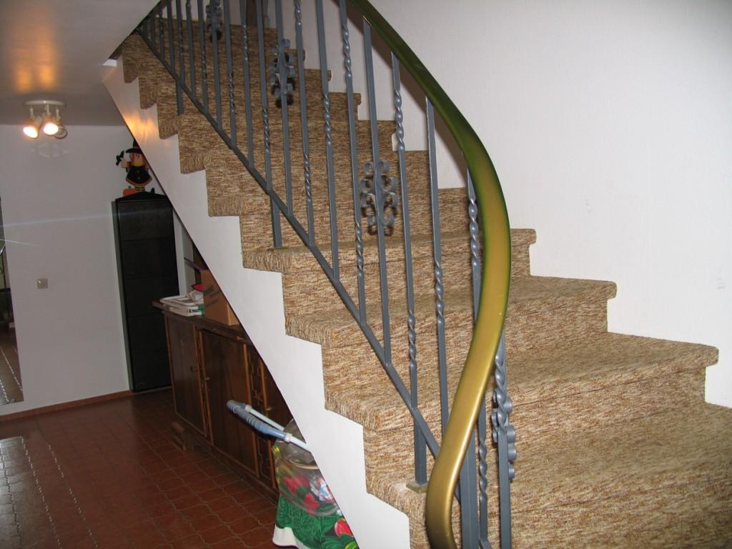 Vorher mit Teppich