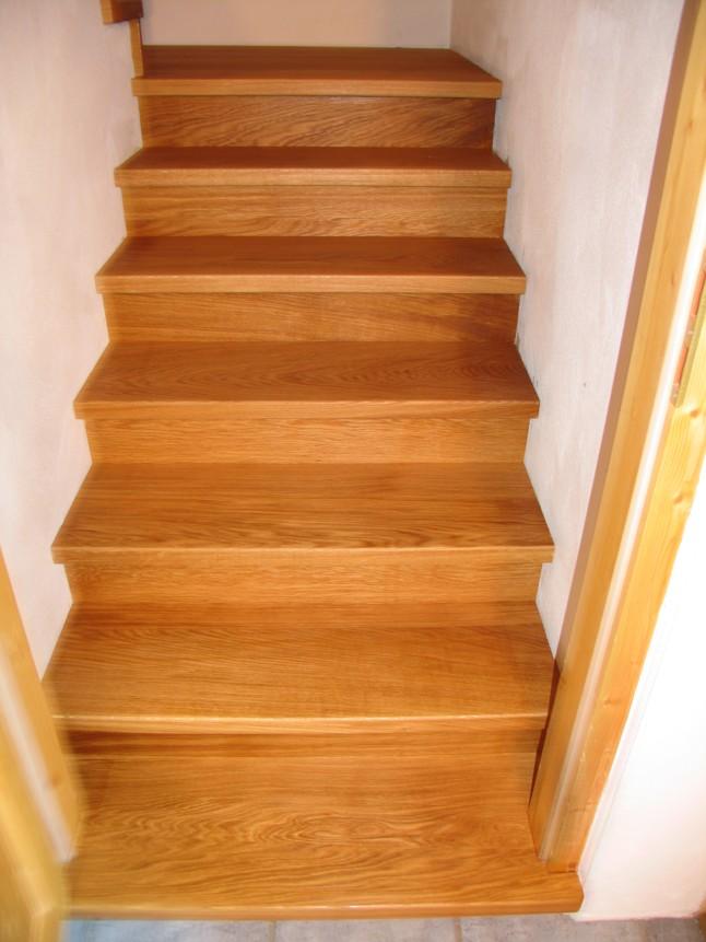 Nachher Treppe mit Eiche belegt