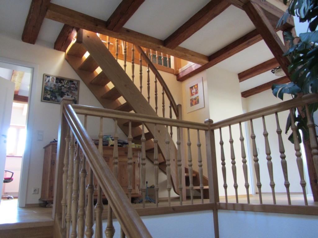 1/4 gewendelte Treppe aus Eiche mit Podest