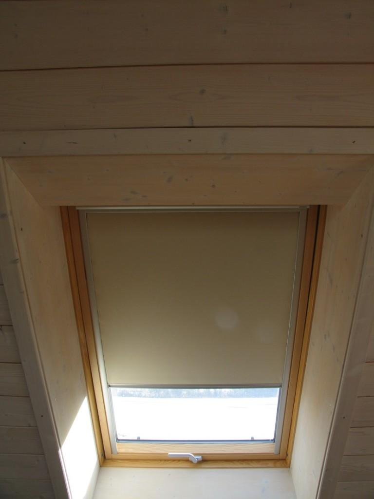 Velux Dachfenster mit Rollo