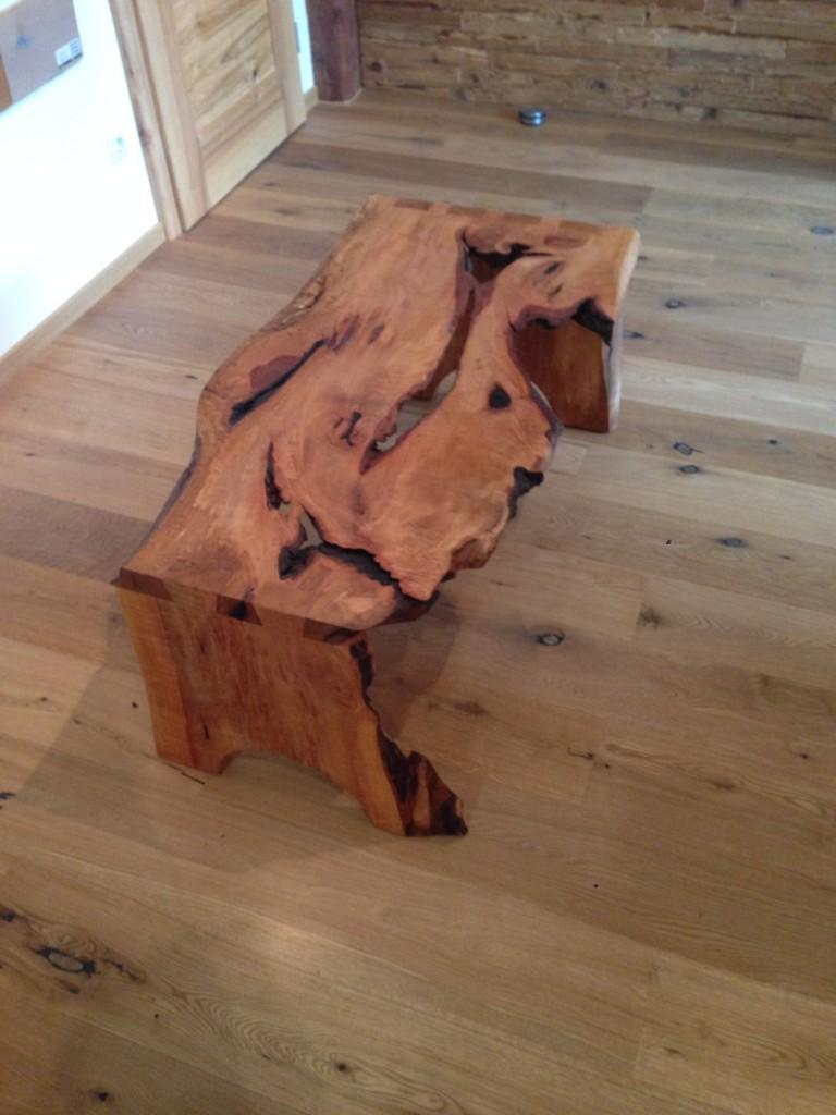 Rustikaler Tisch aus Birnbaum